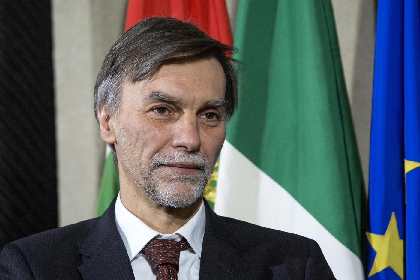 AL MINISTRO DELRIO,  L'ENNESIMO SQUALLORE ALL'ITALIANA