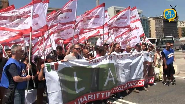 Marittimi per il Futuro, la protesta alla Stazione Marittima