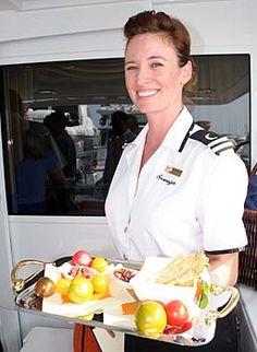 CERCASI HOSTESS Per Charter Yacht