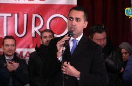 Marittimi per il Futuro: bagno di folla per Di Maio e Grillo a Torre del Greco