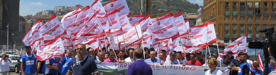 Marittimi in piazza contro la chiusura della cassa marittima. Domani il corteo